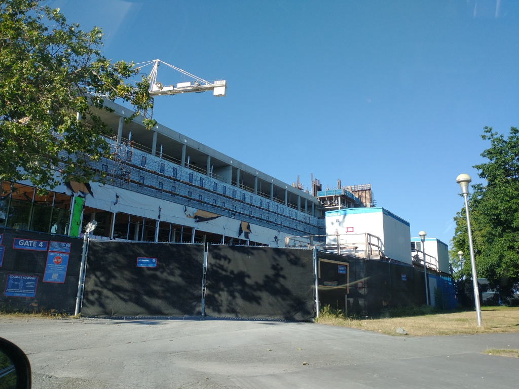 This image has an empty alt attribute; its file name is construction-of-new-uvic-residences-1.jpeg